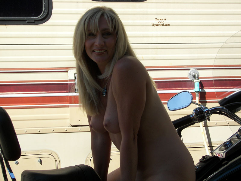Pic #8 - Nude Wife: Harley Hottie