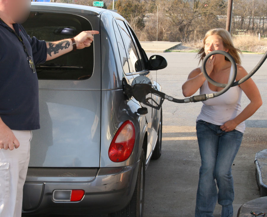 Pic #6 - Nude Amateur: Busted At The Gas Station!