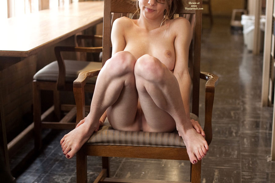 Pic #1 - Nude Girlfriend: Steph Fully Nude In Library