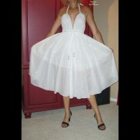 Nude Friend:Joan Posing Like Marilyn Monroe