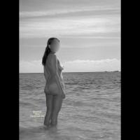 Nude Girlfriend:Fun Times On The Beach!