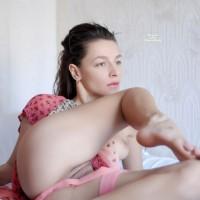 Nude Girlfriend:Lady In Red