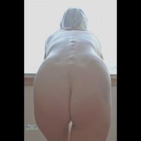 Nude Amateur:Modelling Naked