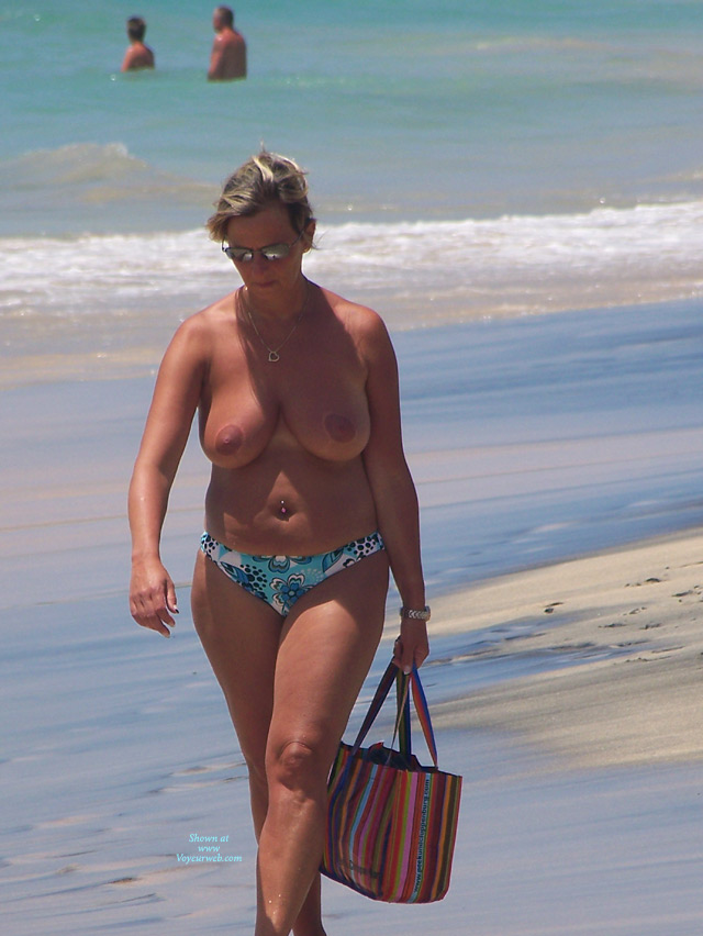 Pic #5 - Beach Voyeur: Mature Tits From The Canaries