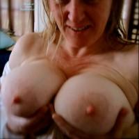Topless Amateur:Wife Mistress