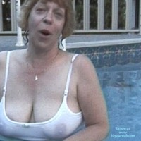 Topless Wife:*WO Sniffy In Wet T
