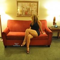 Nude Wife:Hotel Fun