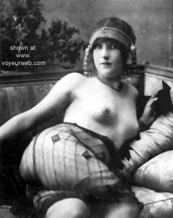 Pic #10 - Unusual French Contri...