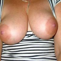 Topless Amateur:Joy