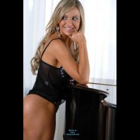 Amateur in Lingerie:Rubia H