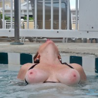 Topless Wife:Hot Tub Key West
