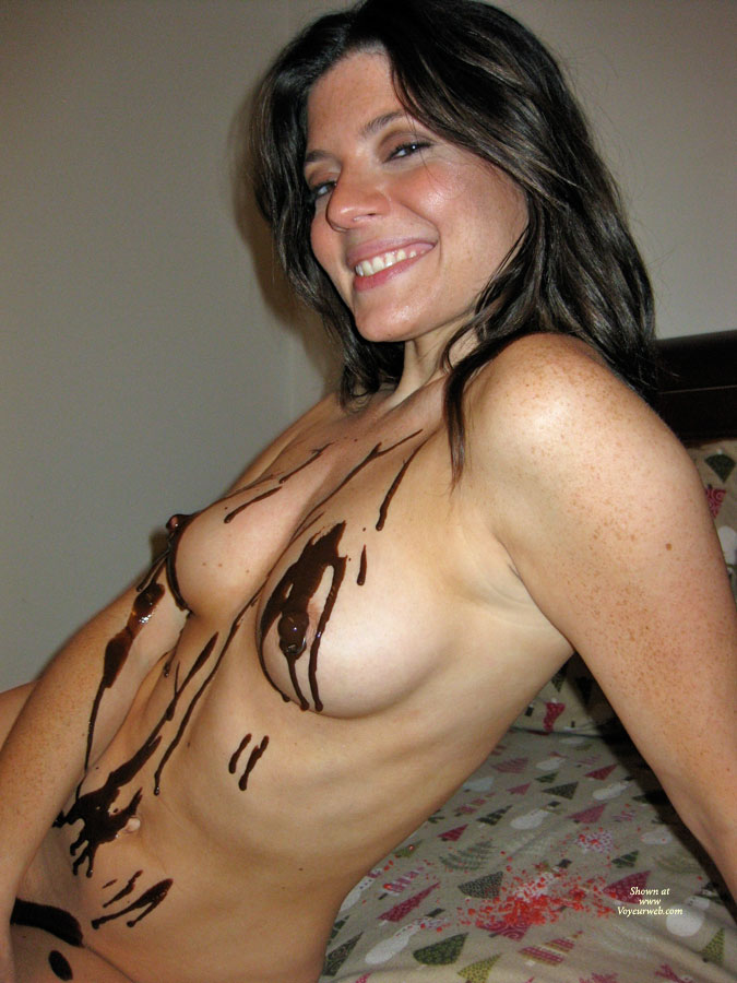 Pic #5 Nude Amateur: Catherine's Chocolate Delight