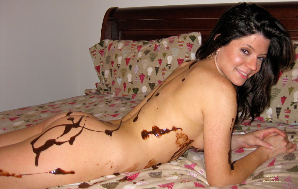 Pic #6 Nude Amateur: Catherine's Chocolate Delight