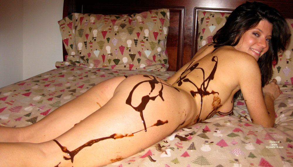Pic #7 Nude Amateur: Catherine's Chocolate Delight