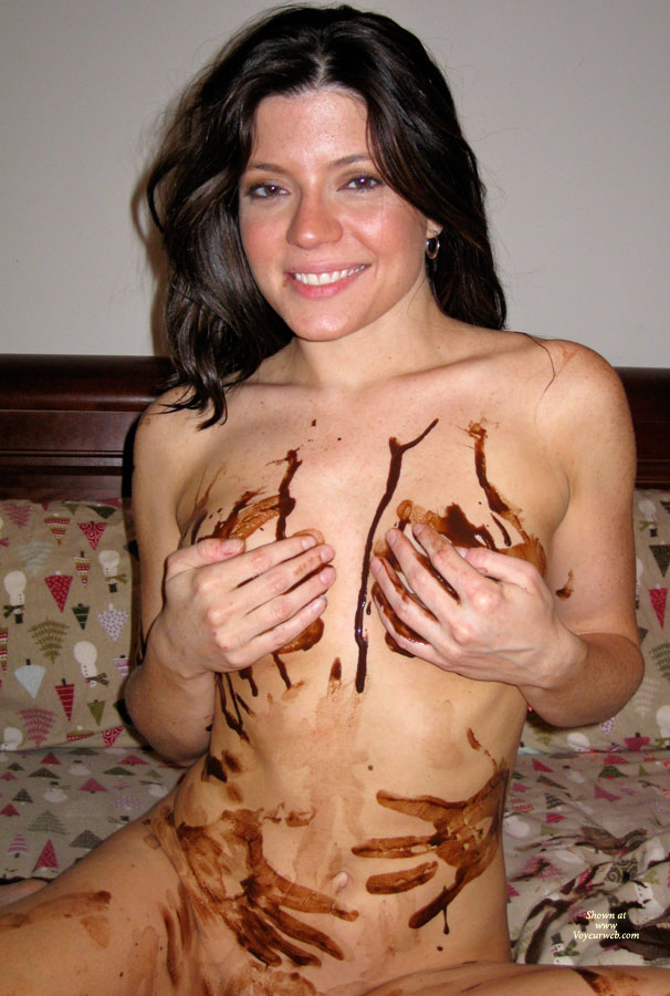 Pic #8 Nude Amateur: Catherine's Chocolate Delight