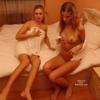 *Gg 2 Sexy Ladies