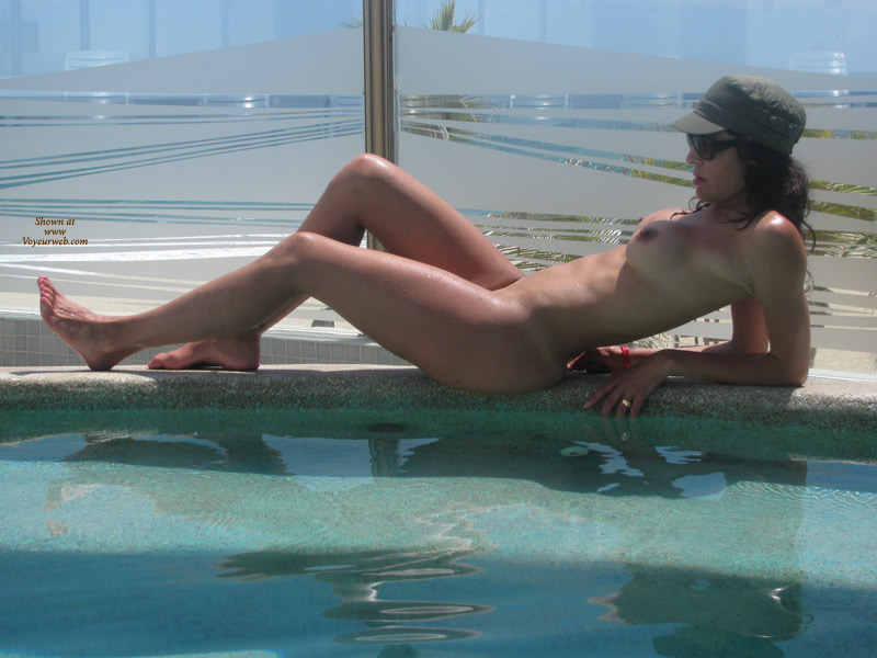 Pic #4 Nude Wife: Fun In Mexico