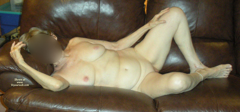 Pic #4 - Nude Girlfriend:70 Year-Old Cougar