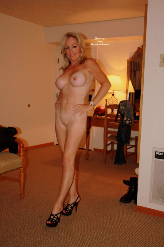 Pic #4 - Nude Wife on heels: *NH Naked In High Heels