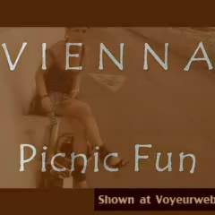 Nude Me:*DT Vienna Picnic Fun