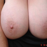 Topless Wife:*SA Big Tits And Ass Of My Bbw