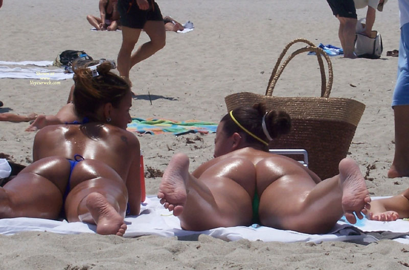 Pic #3 - Beach Voyeur:Beach Crotch Shots And Bubble Booty's
