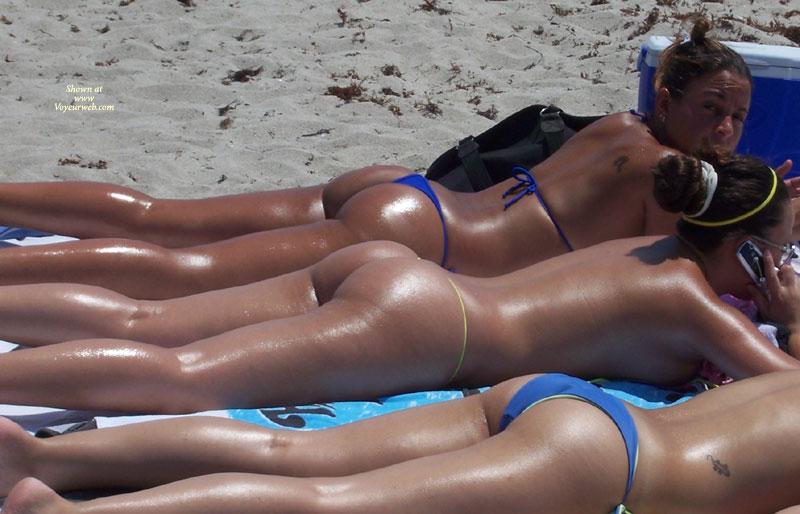 Pic #4 - Beach Voyeur:Beach Crotch Shots And Bubble Booty's