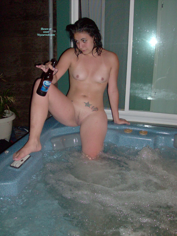 Hot naked chicks in bathtubs