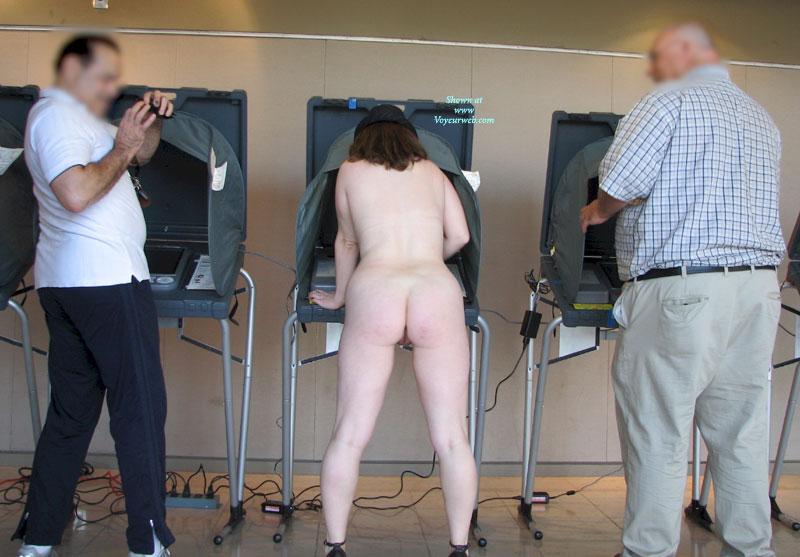 Nude picture vote