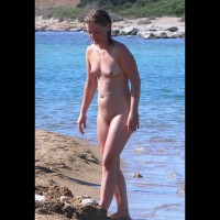 Nude : Beauty On The Beach
