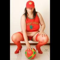 Bottomless Wife:*SW Tulipa: Força Portugal, 2 Half