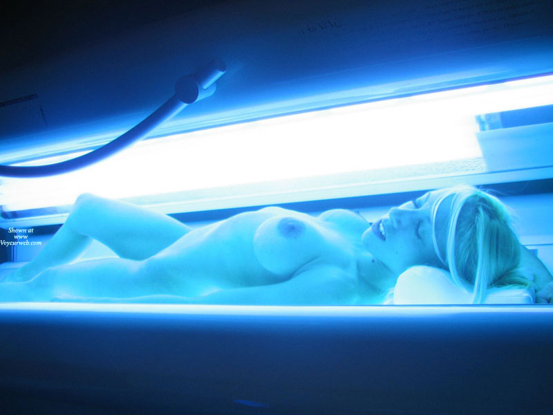 Pic #1 - Girl On A Suntan Bed - Blonde Hair, Long Hair, Naked Girl, Nude Amateur , Slender Body, Nude Friend, Tanning Bed, Nude Tanning, Erotic Floresence, Nude Blonde Tanning, Naked Tanning, Large Areola, Tanning, Sexy Blonde, Closed Eyes