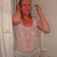 Shyuklady In The Shower