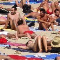 Beach Voyeur:Revealing Lady