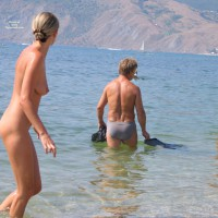 Beach Voyeur:Koktebel The Announcement