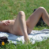 Nude Amateur:Day On The River