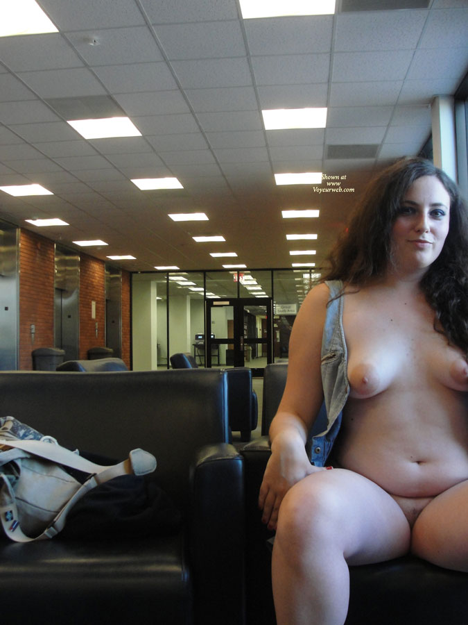 nude-librarian-galleries