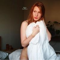 Nude Girlfriend:Redheaded Twinkie In Color
