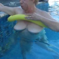 Nude Wife:*SP Wife Under Water