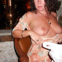 Nude Me: Dinner And A Flash