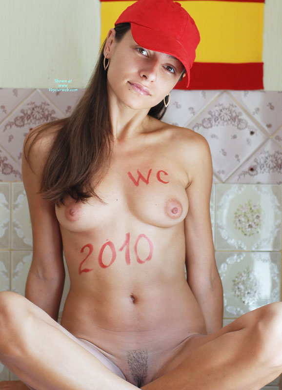 Pic #1 - Nude Me: *SW Lir Support And Congratulate Spain , Lady In Red Support And Congratulate Spain In WC 2010!!!