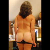 Nude Amateur:Visited Hubby At Work - Part 2