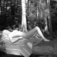Nude Amateur:More
