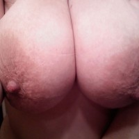 Topless Amateur:Naturals