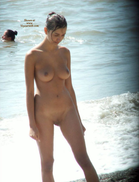 nude friend's wife: my wife´s sister in the beach - july, 2010