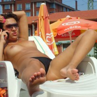 Beach Voyeur:Sexy In The Pool