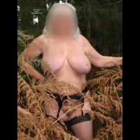 Nude Wife:Out Door Girl