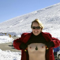 Topless On Snow - Gloves, Hard Nipple, Perky Tits, Small Nipples