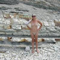 Nude Friend:Rocky Beach I
