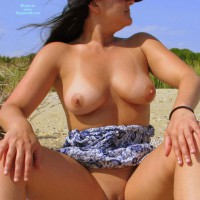 Nude Wife:Carrie On The Bay